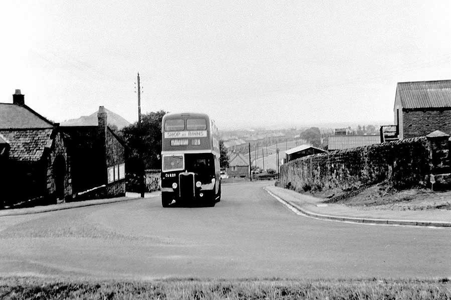 The 25 Bus on Well Bank